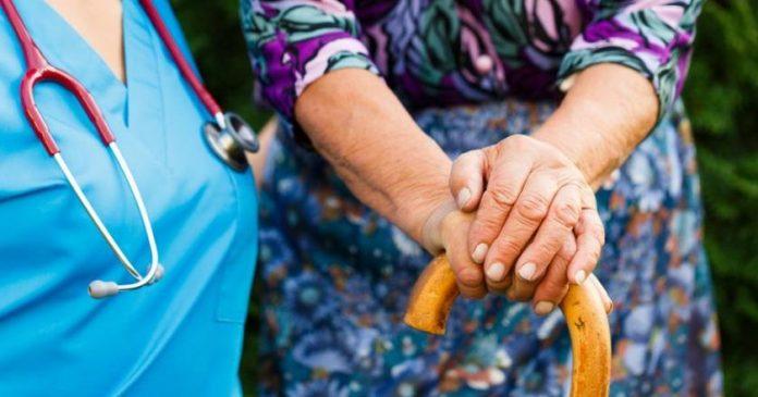 Empfehlungen und Diät für Parkinson-KrankheitParkinson-Krankheit begleiten andere Symptome mit neurologische Erkrankung